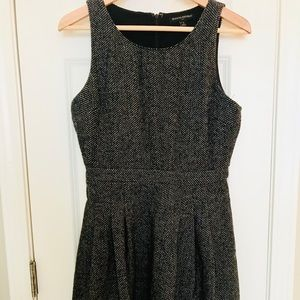 Tweed Banana Republic Dress with POCKETS! Size 4
